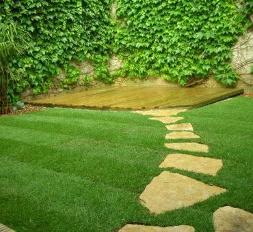 Comment entretenir sa pelouse et son jardin en avril