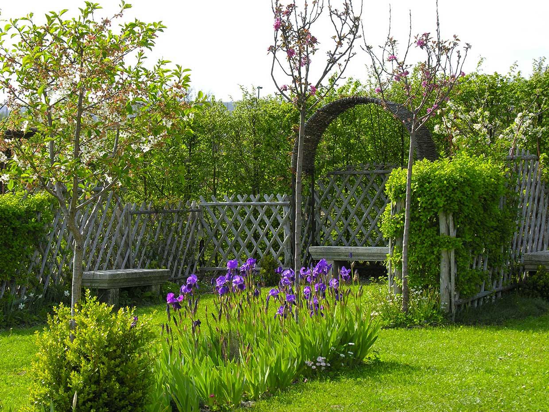 quels sont les quipements n cessaires pour entretenir son jardin les jardins du clos joli. Black Bedroom Furniture Sets. Home Design Ideas